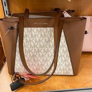 Michael Kors Handbag 👜